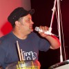 M à l'Olympia 2010/06) : Pierrick Lapuyade, ici surpris en plein essai sur la batterie de Cyril