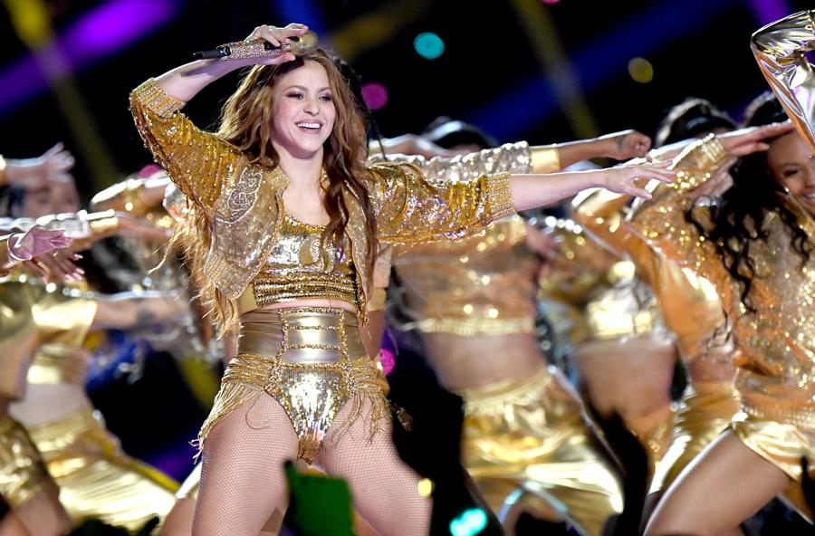 Shakira Halftime show 2020 avec un micro émetteur Sennheiser