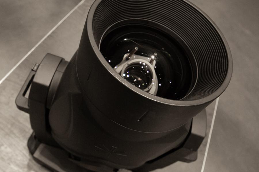 La lentille de sortie du Vari-Lite-VL10
