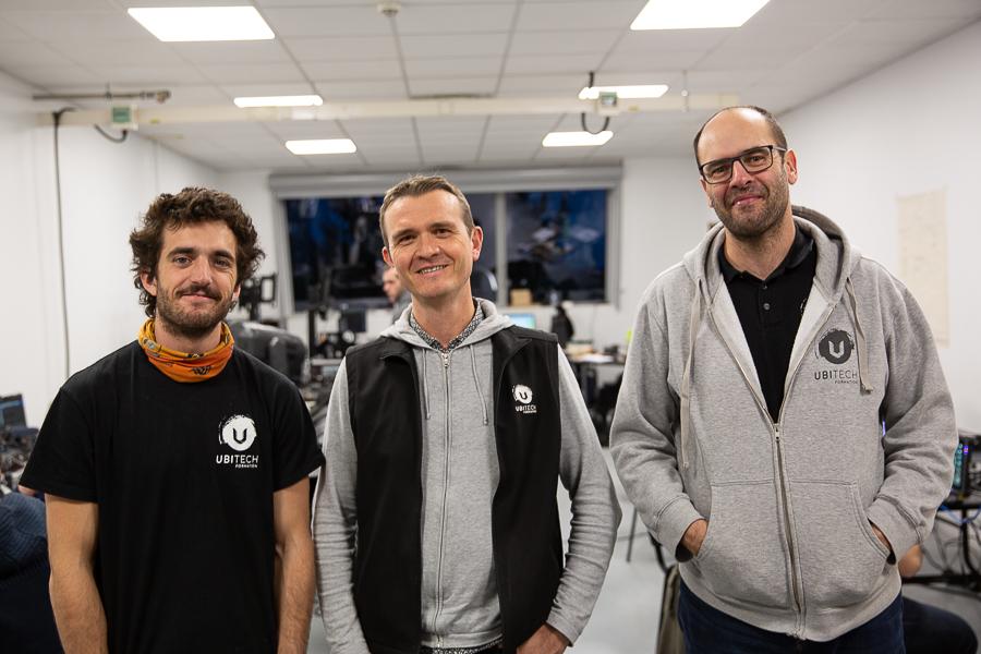 Nicolas Varlet, directeur d'Ubitech Formation, entouré des formateurs réseau Florent Maurin à gauche et Ludovic Maurin à droite.